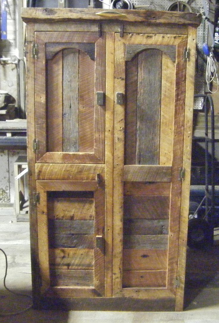 Hunting Cabinet By Barn Wood Furniture It Has A Bar For