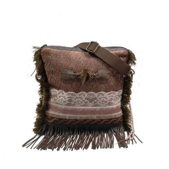 Taupe schoudertas met bont, exclusieve handtas met franje, boho tas western stijl, stoffen tas bohemian, handgemaakt cadeau dames