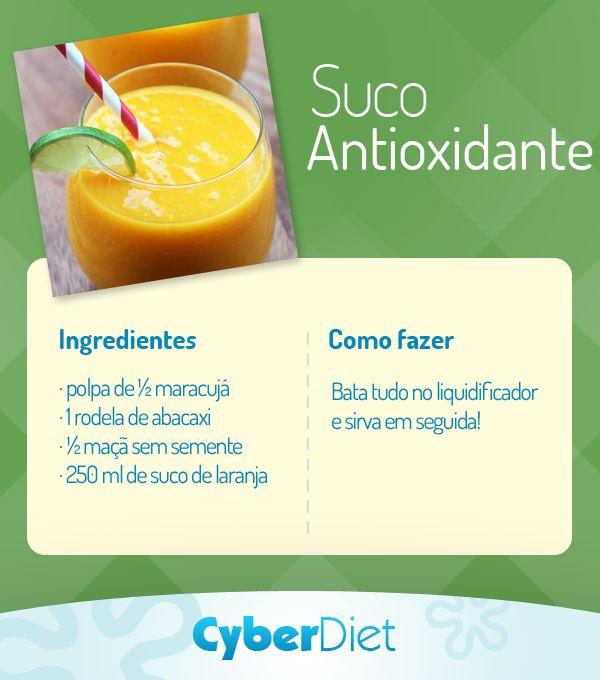 A vitamina C do maracujá ajuda a manter a pele mais bonita, enquanto a presença da bromelina do abacaxi auxilia na digestão! Mais receitinhas como essa em https://facebook.com/cyberdietoficial
