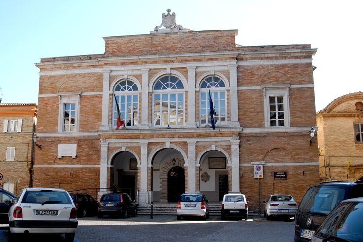 Palazzo municipale. #marcafermana #santelpidioamare #fermo #marche