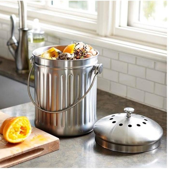 10 easy pieces kitchen compost pails