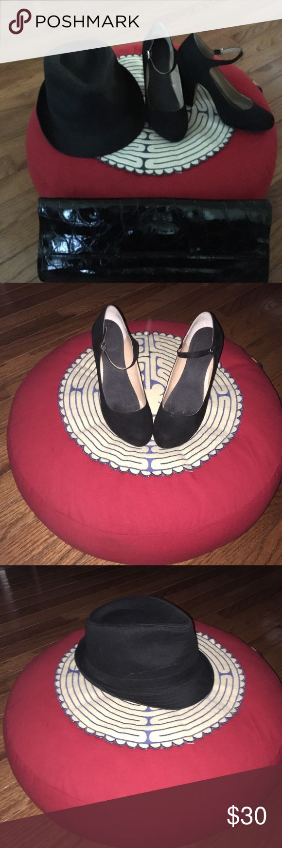✨ChUnKy✨Heel Mary Jane Pumps Suede Mary Janes have been used only a handful of times . Not even a year old. ✨Great Condition✨ with the exception of a minor knick on the left heel *Barely noticeable*. Make an offer! DSW Shoes Heels