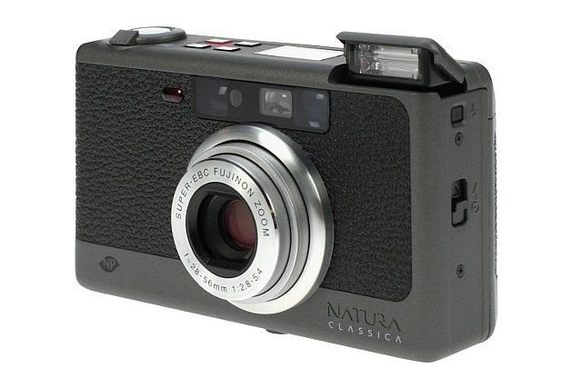 If you love taking photos using available light and hate enabling flash, then the Fuji Natura Classica is the perfect camera for you. With its sought-after NP (Natural Photo) mode, you'll be able to capture true-to-life colors and minimal grain using high-speed 35mm films even in low-light situations!
