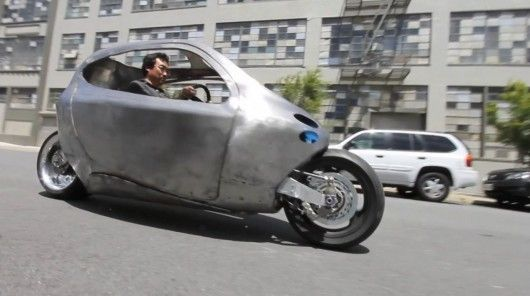 VIDEO – Lit Motors unveils functioning prototype of its C-1 self-balancing electric motorcycle