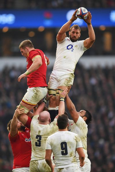 Chris Robshaw Photos Photos - Chris Robshaw of England wins a lineout ball from Bradley Davies of Wales during the RBS Six Nations match between England and Wales at Twickenham Stadium on March 12, 2016 in London, England. - England v Wales - RBS Six Nations