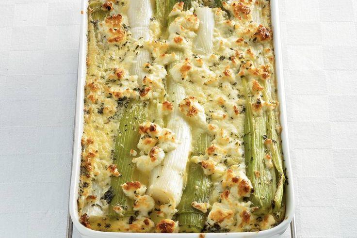Kijk wat een lekker recept ik heb gevonden op Allerhande! Griekse preiflan met witte kaas