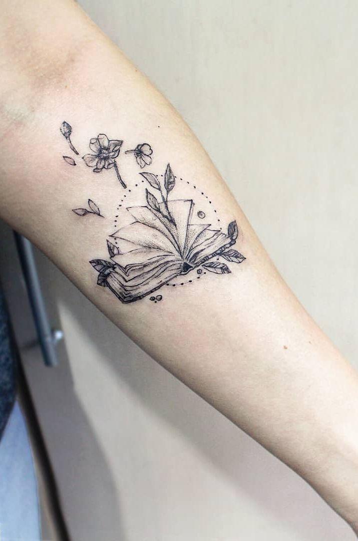 illustrative book tattoo © tattoo artist Camila Averbeck ❤✨📖❤✨📖…