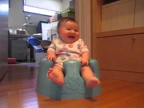 Happy laughing baby-Gelukkig lachende baby-Bebê de riso feliz-Happy baby...