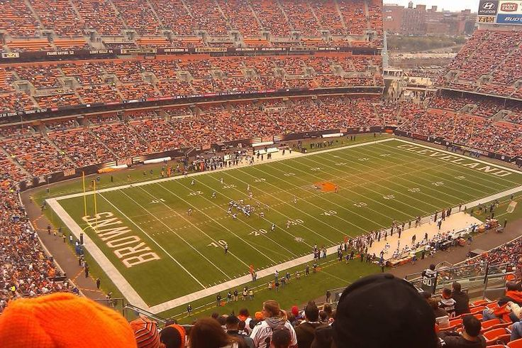 #tickets 2 x Cleveland Browns vs New York Jets Tickets Section 526 Aisle Seats BELOW FACE please retweet
