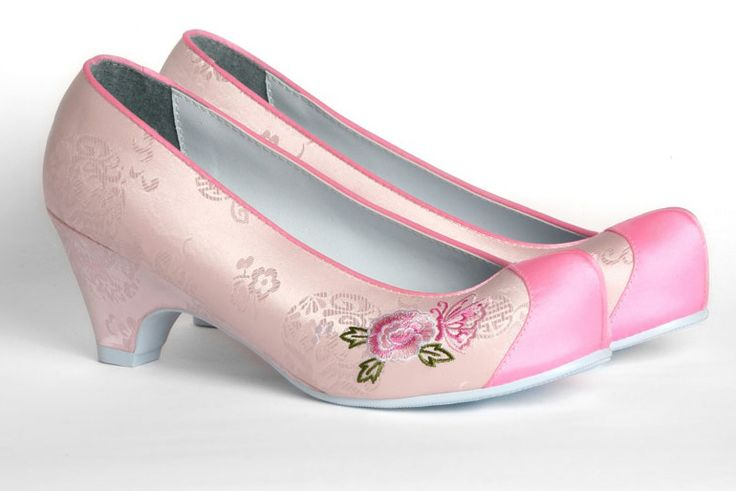 Women&men hanbok shoes. Accessory for Korean traditional clothes