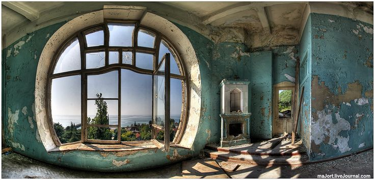 Abandoned hotel. Abkhazia, Black Sea.: Wall Colors, Decor Ideas, Decorating Ideas, Art Nouveau Interior, Wall Paintings, Round Windows, Art Nouveau Architecture, Interiors Decor, Design Style