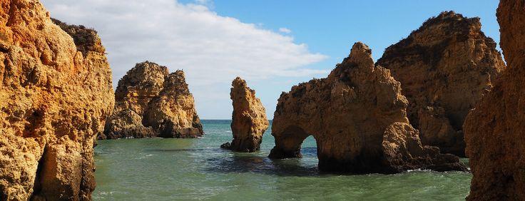 Portugal: het land van gegrilde sardientjes, melancholische fado, de glorierijke ontdekkingsreizen, mooie zandstranden en portwijn. Daar moet je kennis mee maken!