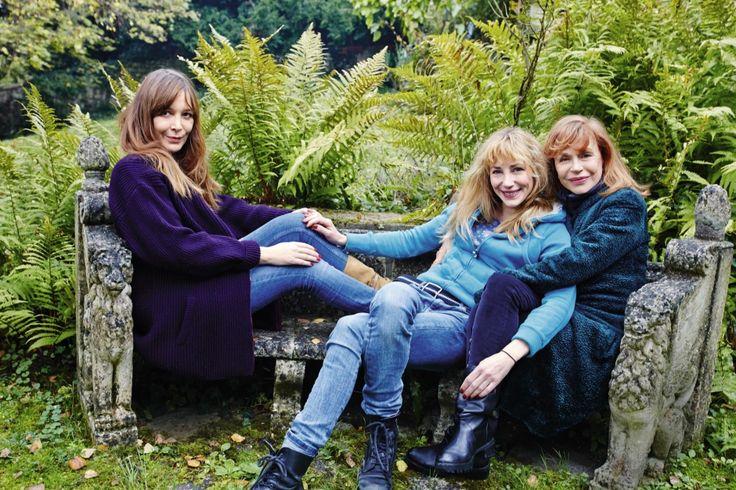 Guillaume Depardieu: les femmes de sa vie. Cinq ans après sa mort, Elisabeth, sa mère, Julie, sa sœur, et Elise, son ex-compagne, se sont battues pour faire sortir son album de chansons. Elles se confient à Match pour l'occasion.
