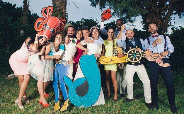 idea de photocall temático del mar para boda