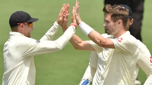 Ashes 2017-18: Chris Woakes takes six wickets as England endure day in field