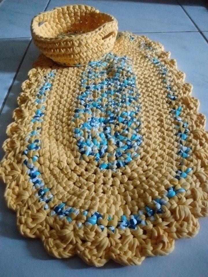 tapete oval de trapilho com cestinho