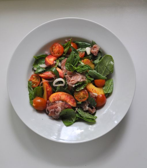 Summertime Peach and Prosciutto Salad