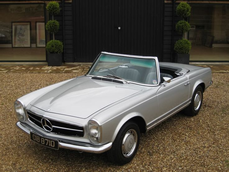 Mercedes 280sl Pagoda, my all time favorite drivable roadster, my favorite color combo too ; )