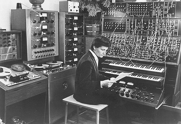 Wendy Carlos in the studio 1968, Legendary Moog in the background
