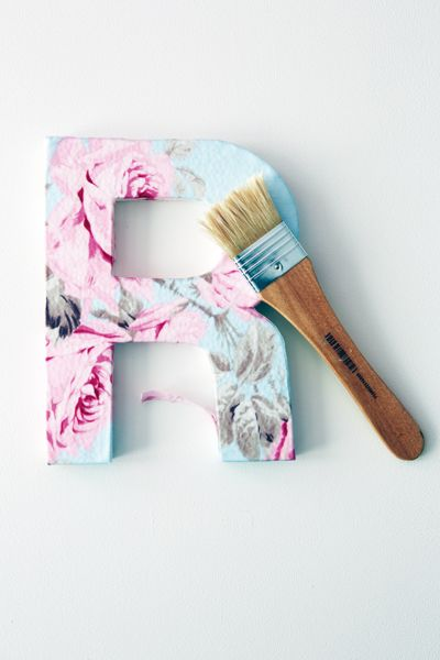 Fabric Covered Letters    Nodig lijst:  Letters (Xenos)  Behanglijm x  Behang x