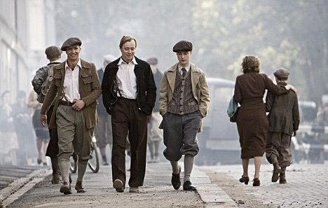 40s style men from the Norwegian movie Max Manus