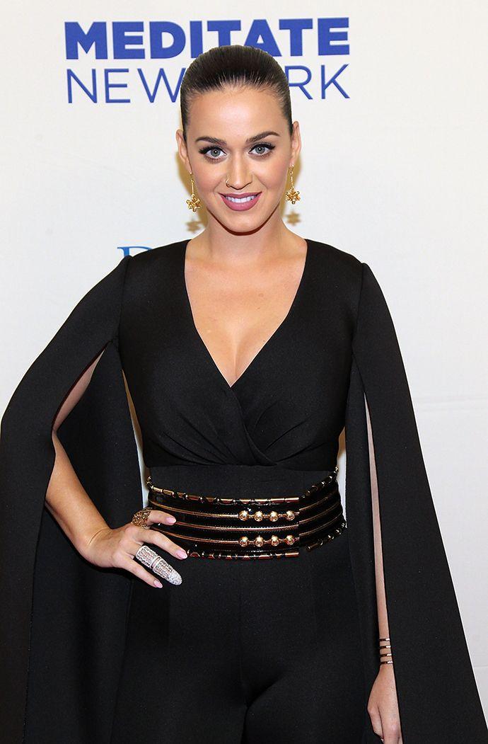 Кэти Перри — самая богатая звезда шоу-бизнеса - http://russiatoday.eu/keti-perri-samaya-bogataya-zvezda-shou-biznesa/ Певица обогнала даже One Direction в ежегодном рейтинге ForbesКанун Нового года — время подводить итоги. Так, журнал Forbes один за другим публикует рейтинги за отчетный период: недавно бы