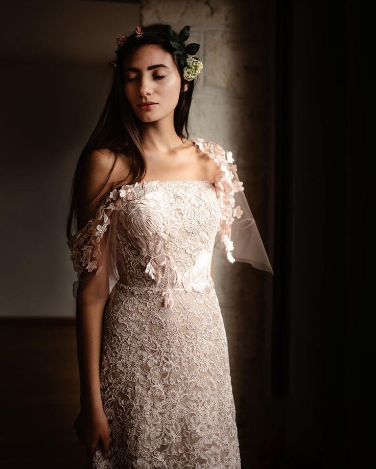 _#elisabettadelogu @elisabetta_delogu_ #bride #lookbook #sassari #sardegna #sardinia #sardiniaphotographer#wedding #inspiration #matrimonio #abitomatrimonio #voguesposa #poetry #moody @voguesposait @mr_bridal_elle #togetherjournal #theweddingpic #justalittleloveinspo #yourockphotographers #destinationwedding #dailywedding #weddinginspo #junebugweddings #dreamwedding #weddingportrait #brides #authenticlovemag