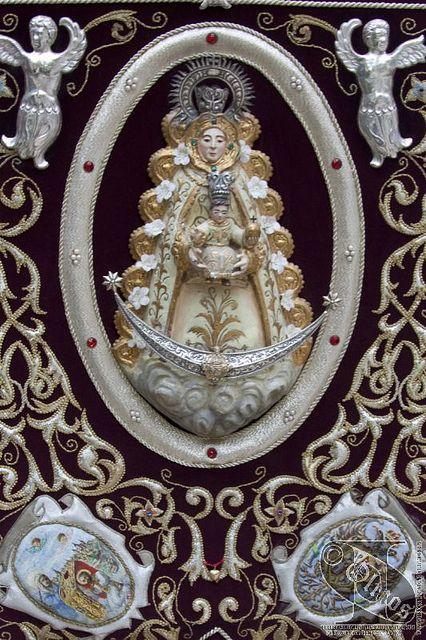 Simpecado Virgen del Rocio de Toledo 005 by Toledo Ciudad Imperial, via Flickr
