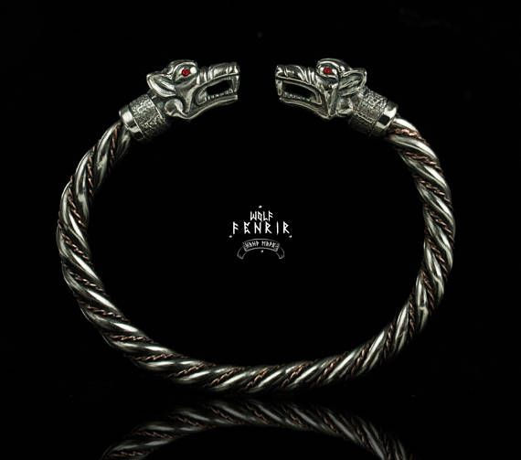 Fenrir Bracelet / ruby / Viking Style Wolf's heads Cuff