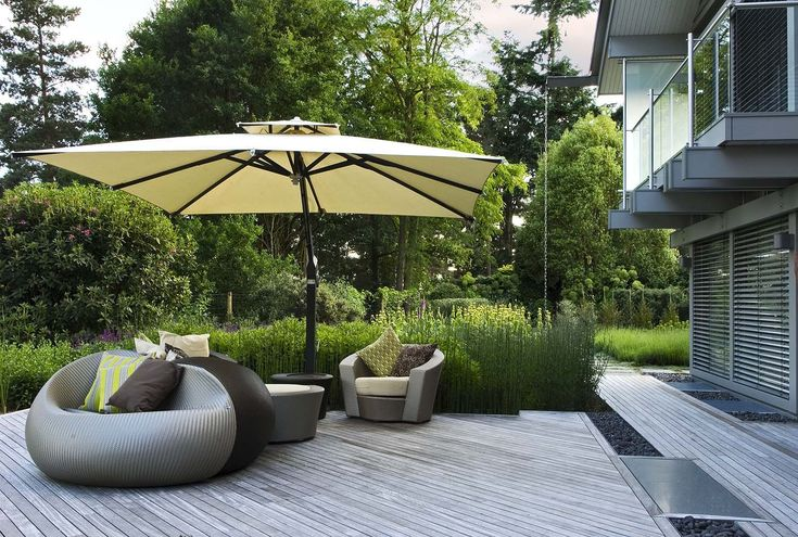 More contemporary furniture in a garden designed by Anthony Paul.  www.anthonypaullandscapedesign.com