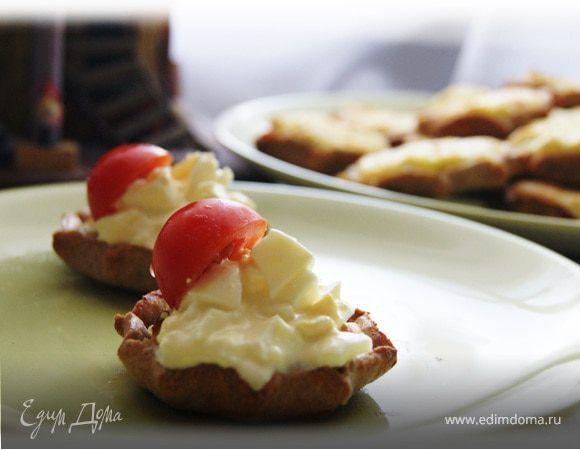 Эти милые пирожки являются традиционным блюдом финской кухни. Родом они из провинции Pohjois-Karjala, граничащей с русской Карелией. Отличительной особенностью этих пирожков является то, что в их с...
