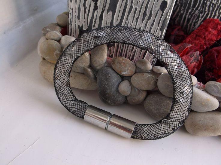 Stardust mesh bracelet with rock crystal