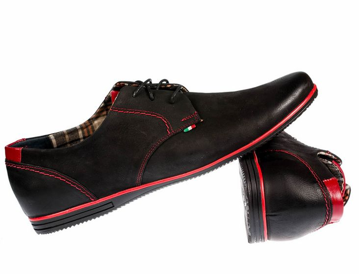 Black man shoes with red elements made of high quality leather - perfect not only for jeans!