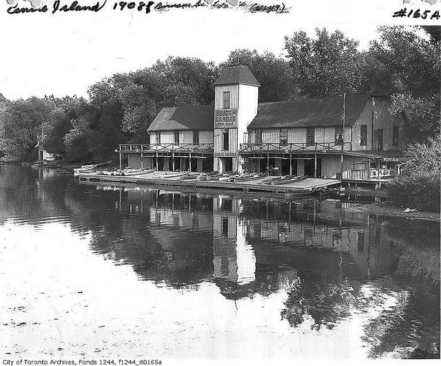 Durnan's boathouse, Centre Island by Toronto History, via Flickr