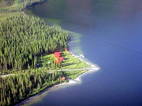 Tincup lodge yukon fishing lodge on for Canada fishing resorts