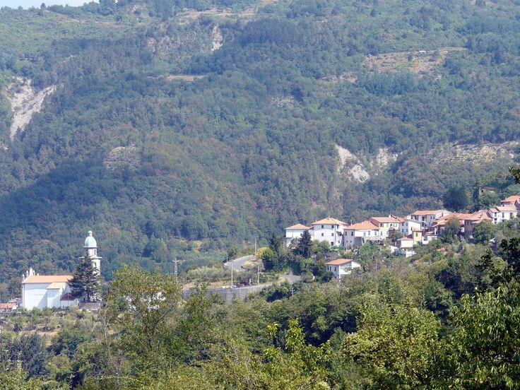 Veppo_(Rocchetta_di_Vara)-panorama_dalla_provinciale.jpg (3264×2448)