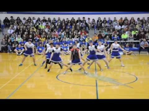 Ummmm was this really at Carrol High School in Ft Wayne?!?! it looks like their gym.....?!  Best Half Time show EVER!! I am so impressed with the amount of choreography they have!! So awesome!