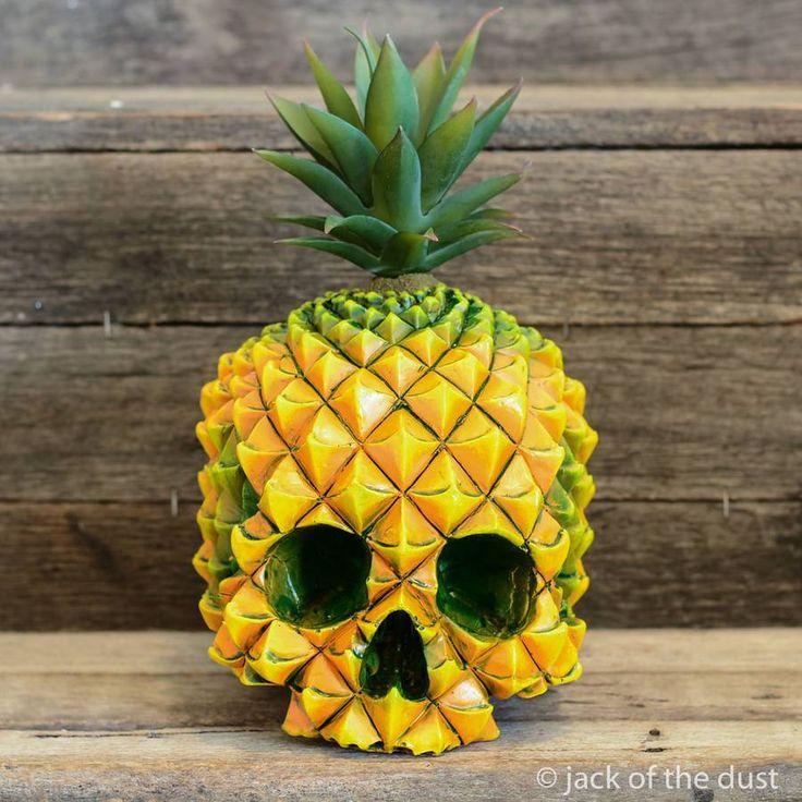 Unexpected Skull Sculptures – Fubiz Media
