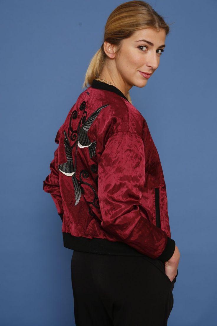 Kurtka bomber jacket z aplikacją - wino