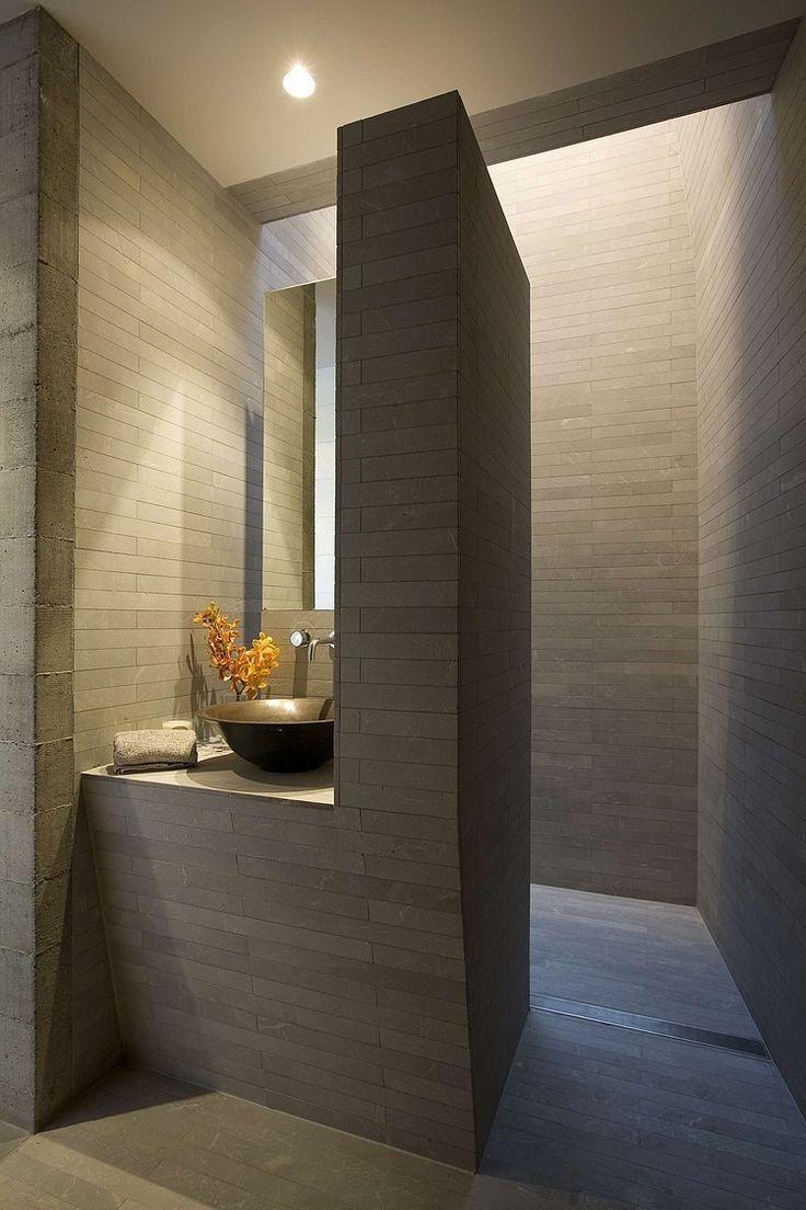 25 beste idee n over modern badkamerontwerp op pinterest moderne badkamers moderne badkamer - Kleur modern toilet ...