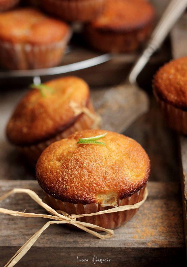 Muffins mere si scortisoara detaliu