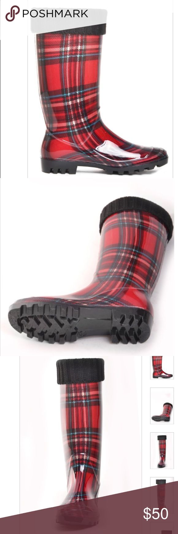 DAV fleece lined Rubber Rain Boots Red Plaid 6 NWT Bonnaroo is a classic plaid welly with a nice surprise. A removable, washable liner makes it warm in the winter and cool in the summer. Features a rugged outsole in black. Fit notes: Fits true-to size and works on a narrow to medium calf.  Size 6 dav Shoes Winter & Rain Boots