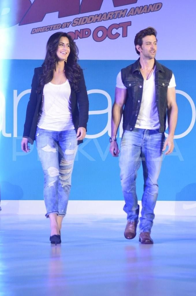 Hrithik Roshan - Katrina Kaif launch Bang Bang collections for Pantaloons.