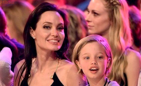 Notícia sobre mudança de sexo de filha de Angelina Jolie é falsa
