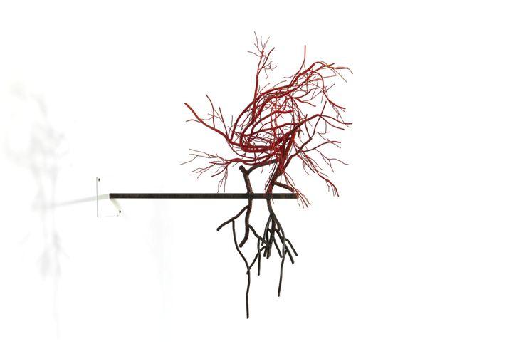 "Sun-Hyuk Kim, sculpture in steel ""Naked Portrait 6"", 2014 53 x 23 x 53 cm. Courtesy of the artist & ONEIRO, Paris"