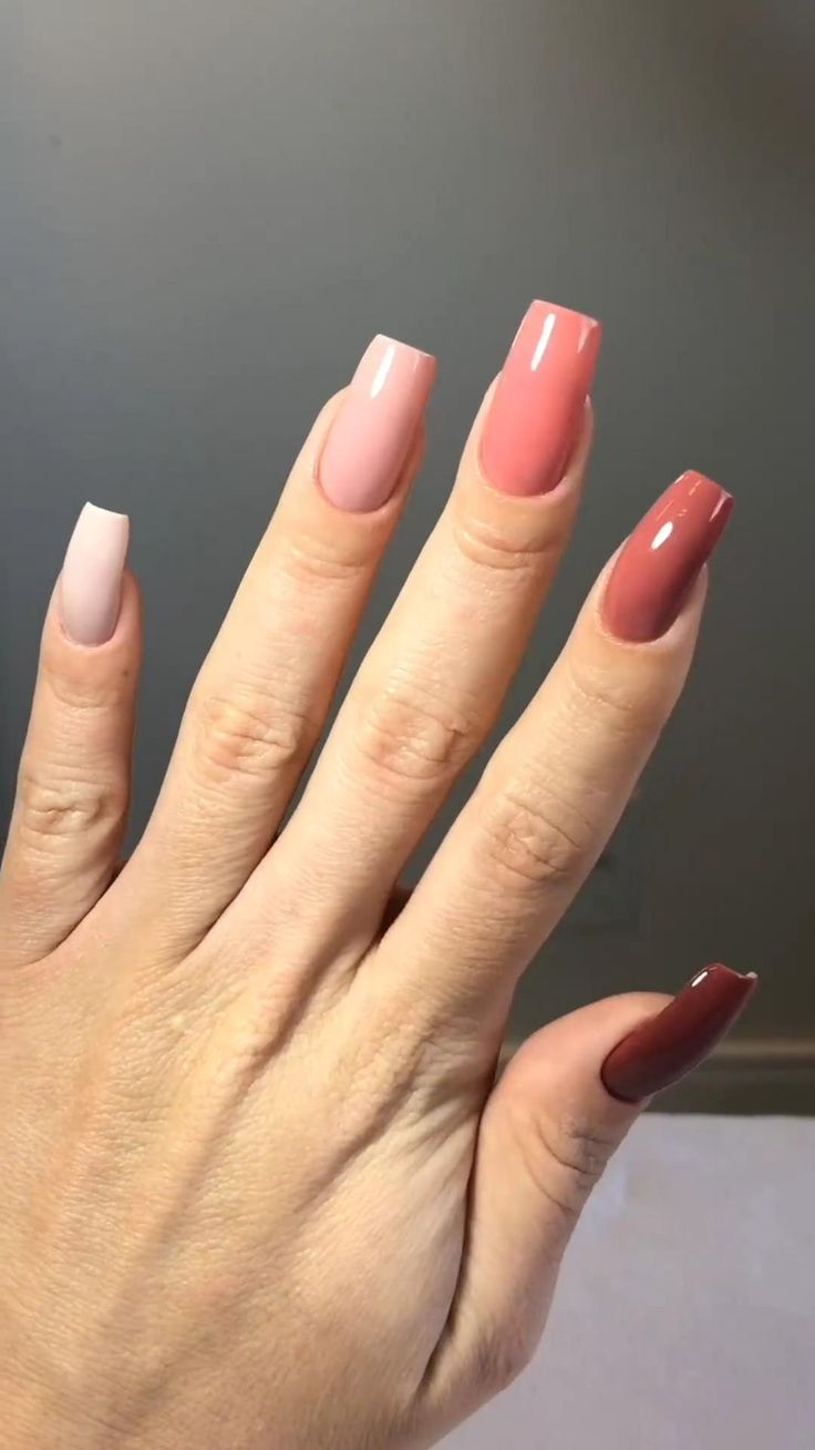 20 Gelnägel Ideen in 20   nagelideen, nägel inspiration, nagel gel