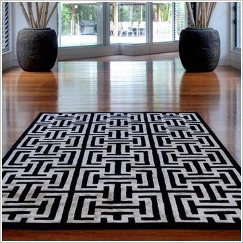 Black & White Furnishings Capri Mazuma Black / White Rug