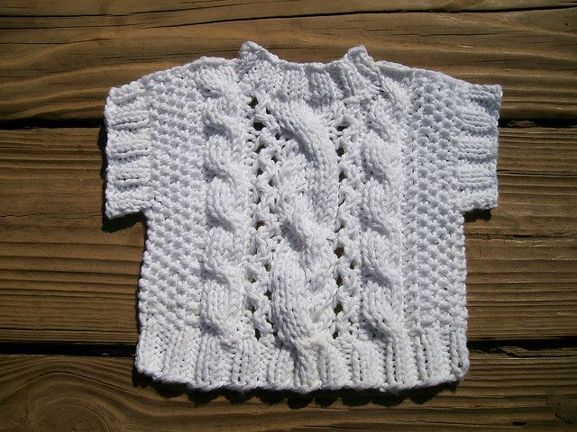 Could Sure knit everyone one of these for Christmas.......Lacey Cabled Sweater Washcloth by pauladean free pattern