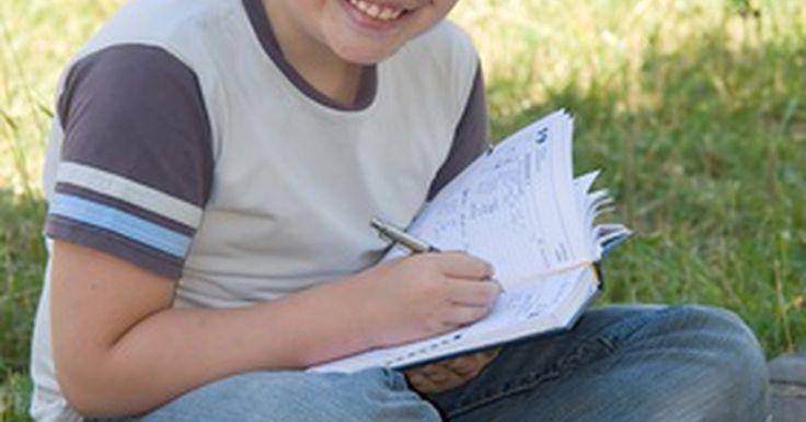 Como criar papel de caligrafia. O papel de caligrafia é aquele que todas as crianças utilizam no primário quando estão começando a escrever. Com linhas largas, esse papel permite a criação de letras e palavras maiores. Você pode fazer uma visita a qualquer papelaria e comprar um bloco ou um caderno de papel de caligrafia. No entanto, se precisa apenas de algumas folhas (ou se ...