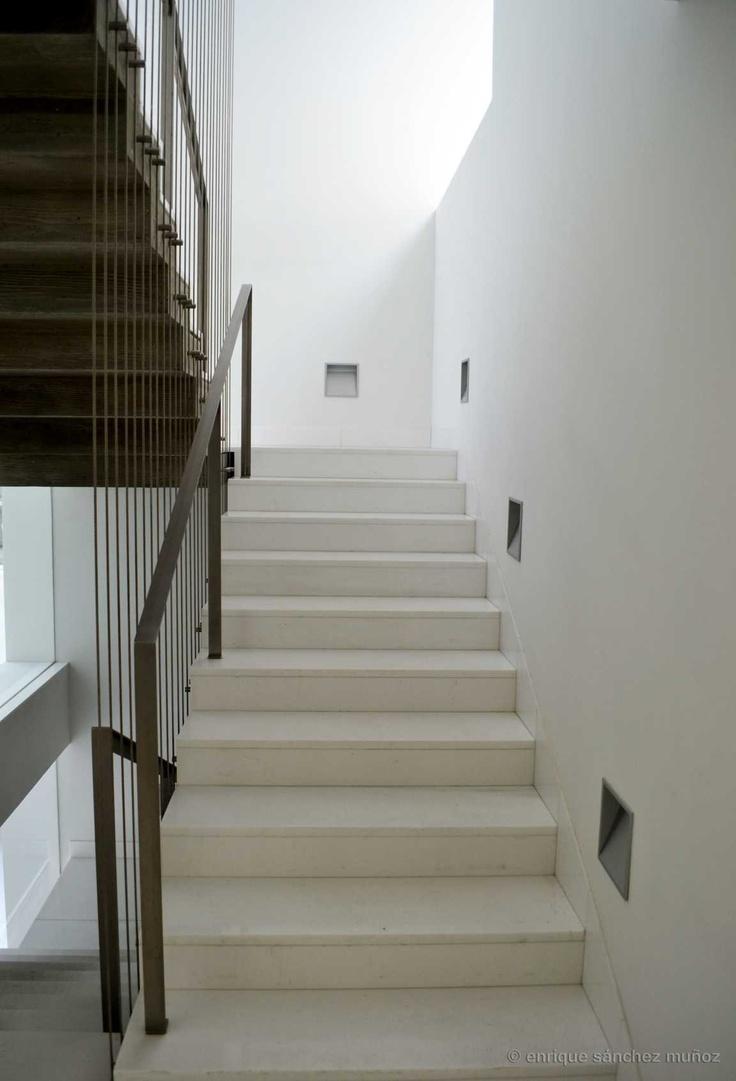 Colegio de Arquitectos de Toledo (Spain) Arq. Antonio Sánchez-Horneros y Enrique Díaz-Chirón.  Escalera principal